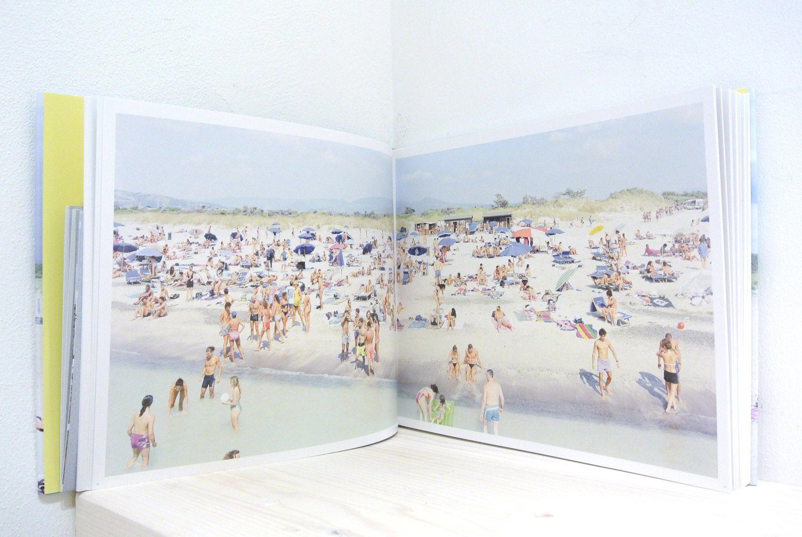 LANDSCAPE WITH FIGURES / MASSIMO VITALI
